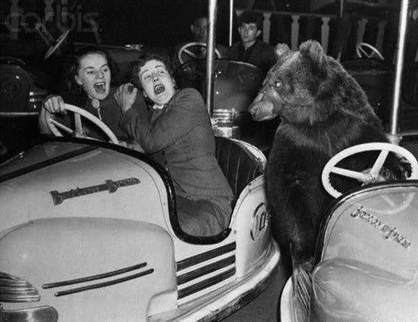Photo of L'incidente fu solo sfiorato, ma le due ragazze a bordo dell'autovettura si presero comunque un bello spavento