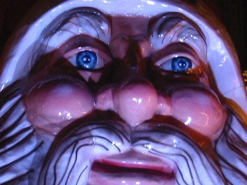 Dalla notte del 25 dicembre, Babbo Natale si installò a casa nostra e nessuno ebbe il coraggio di cacciarlo