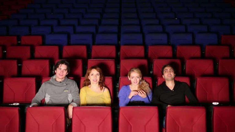 In un cinema quale bracciolo è tuo?